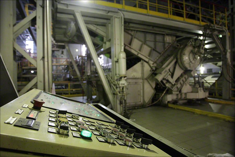 Завод 4, Москва - пульт управления прессом
