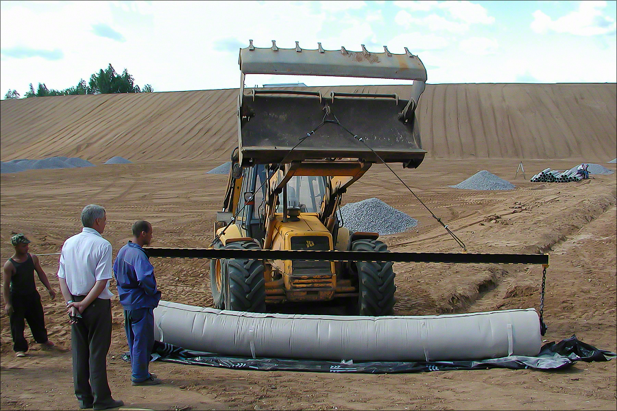Landfill Iksha - Laying protective layer