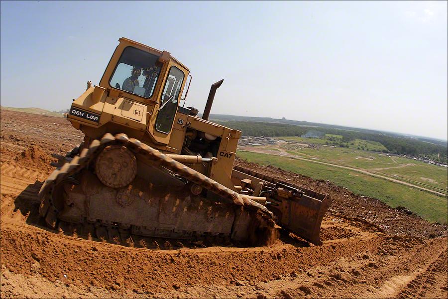 Landfill Salar'evo - Bulldozer for scarps