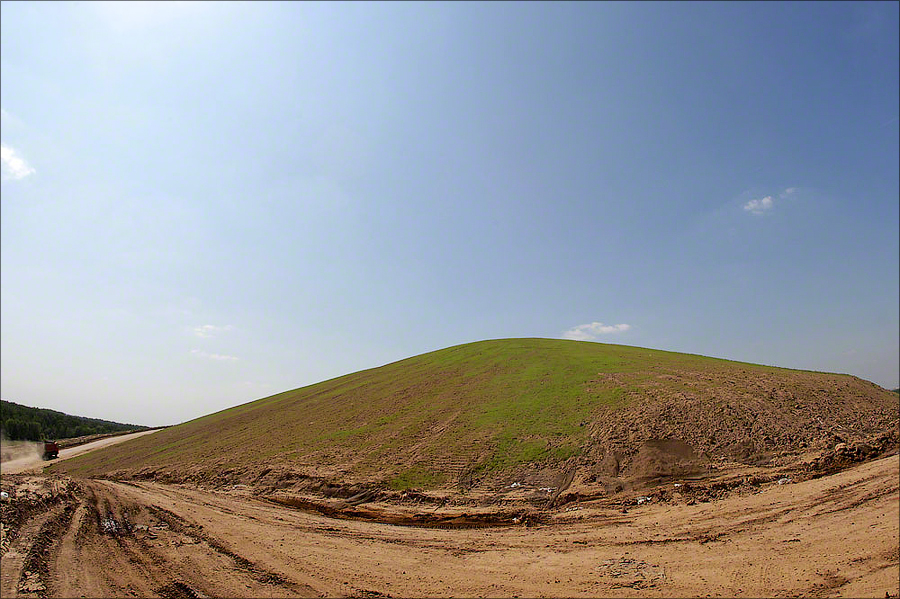 Landfill Salar'evo - Green grass on rehabilitated landfill
