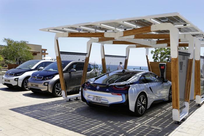 BMW DesignworksUSA develops i solar carport concept