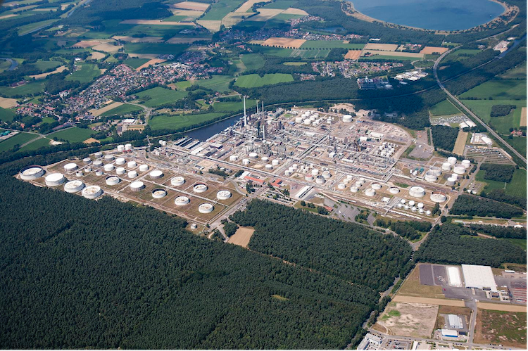 Ørsted and bp to develop renewable hydrogen project in Germany