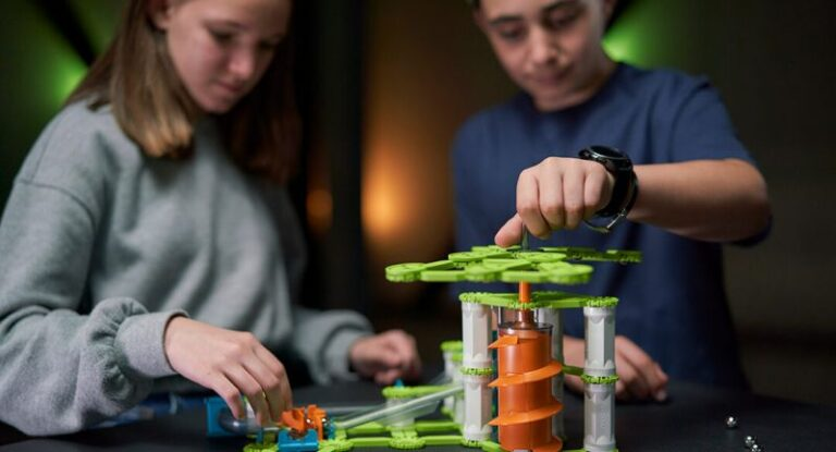 Geomag offers totally recycled toys